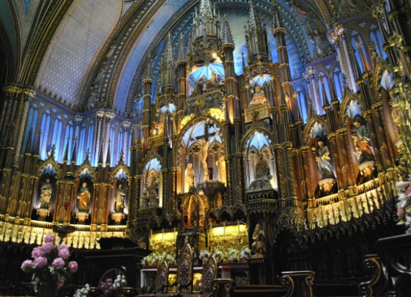 Interior photo of Montreal's Notre Dame Cathedral