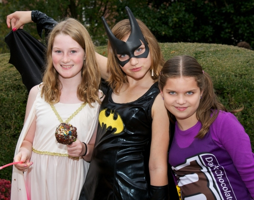 Photo of 3 tween girls in Halloween costumes
