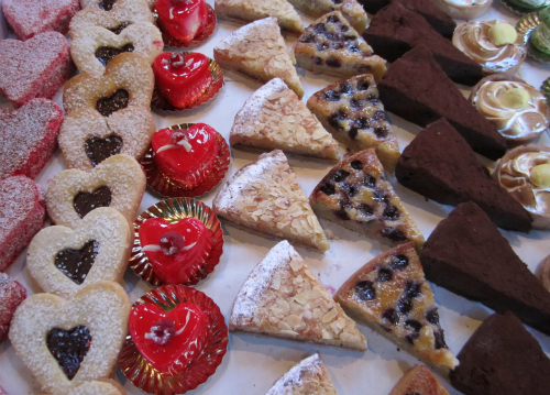Dessert tray with cookies and bar cookies